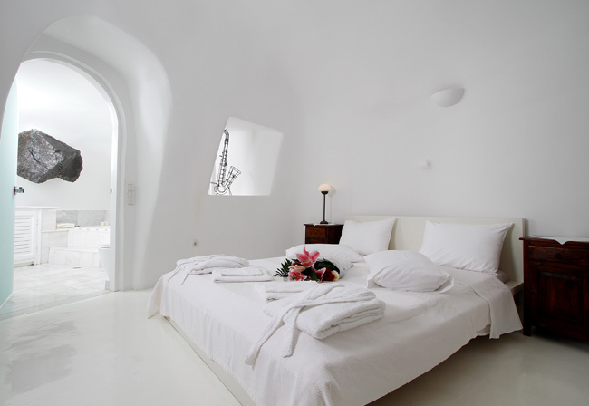 ... Bedroom In White House, Oia Santorini,GR ...